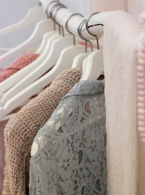 De l'étoffe à la vibration : le pouvoir du vêtement